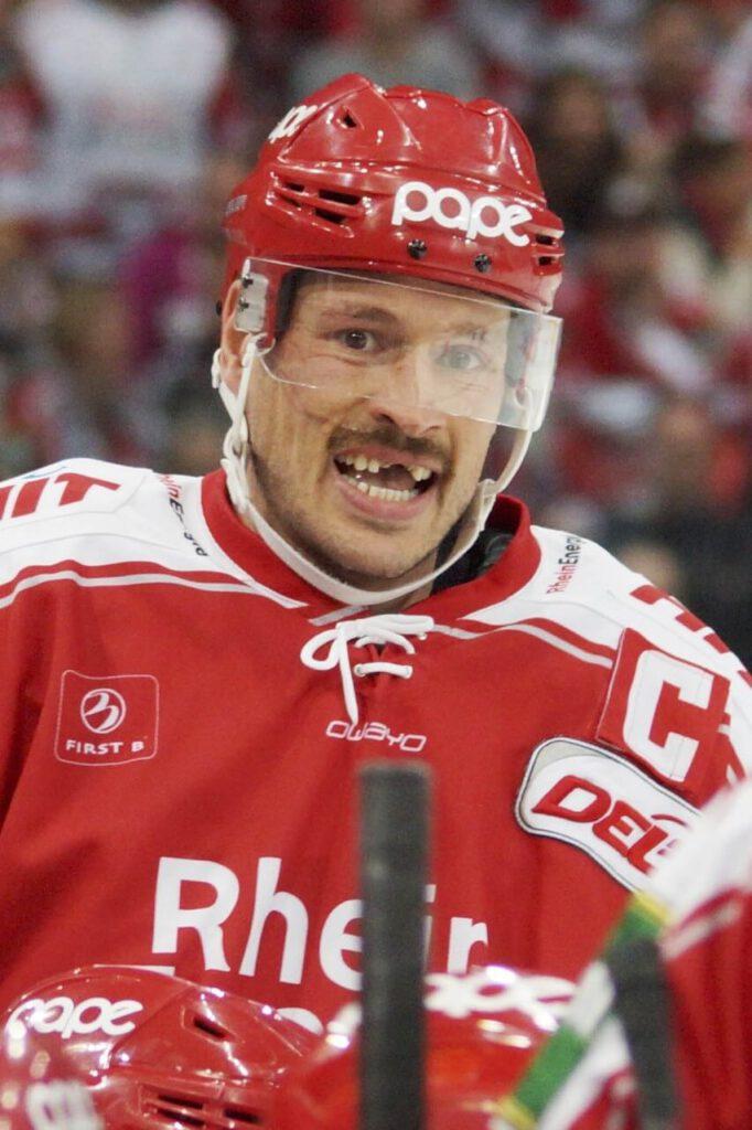 John Tripp Zähne Zahnarzt Köln