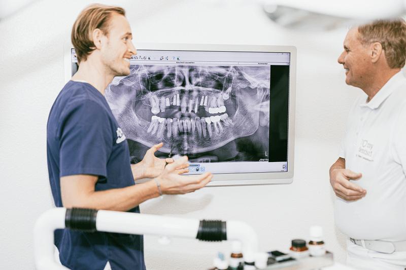Zahnarztpraxis Dr. Langenbach Koeln 109 1 Zahnarzt Köln