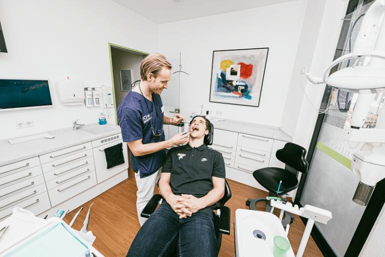 Zahnarztpraxis Dr. Langenbach Koeln 79 Zahnarzt Köln